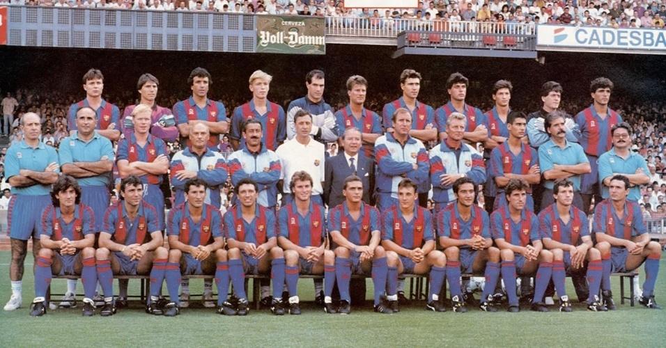 ESPORTE: Foi a primeira vez que o time espanhol Barcelona ergueu a taça da Liga dos Campeões da Europa.