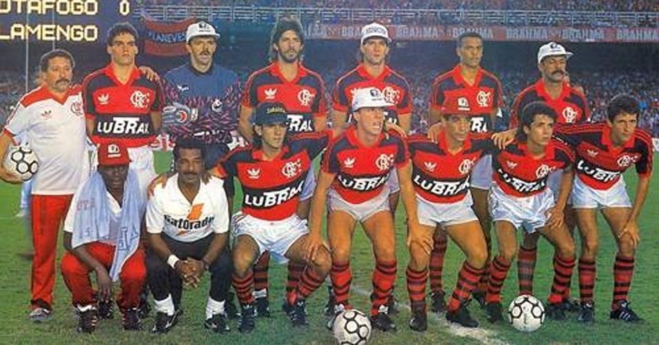 ESPORTE: No Brasileirão, o ano de 1992 foi do campeão Flamengo, que conquistou seu quinto título em cima do rival Botafogo.