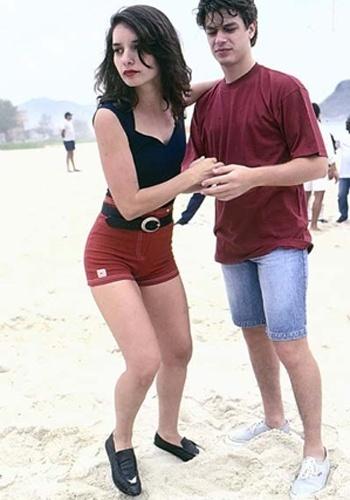 MODA: O look do verão era composto por shortinhos curtos e mocassins nos pés. Na foto, a atriz Daniela Perez exibe o que era usado em 1992.
