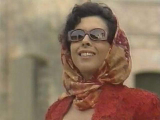 """Betty Faria é uma prostituta que, após ser escorraçada, volta para o agreste cheia de dinheiro em """"Tieta"""" (1989)"""