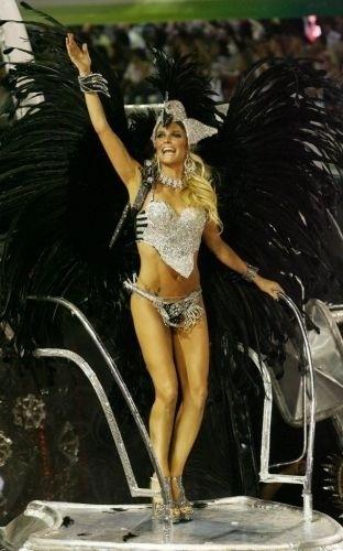 A atriz Fernanda Lima desfilou no Carnaval 2007, pela Acadêmicos do Grande Rio, no Rio de Janeiro (RJ). A Grande Rio contou a história do município da escola, Duque de Caxias, na Baixada Fluminense, no segundo dia do desfile do Grupo Especial do Carnaval carioca no Sambódromo da Marquês de Sapucaí (20/2/07)