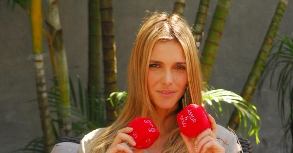 """Fernanda Lima, apresentadora do programa """"Amor e sexo"""" (17/08/09)"""