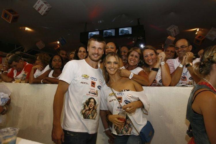 Fernanda Lima e Rodrigo Hilbert no camarote de Daniela Mercury , no carnaval de Salvador (12/2/10)