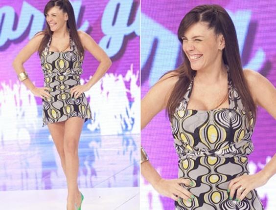 """Simony aparece em ótima forma no """"Programa do Gugu"""" na TV Record. A cantora participou do quadro """"Loiras x Morenas"""" (2/5/10)"""