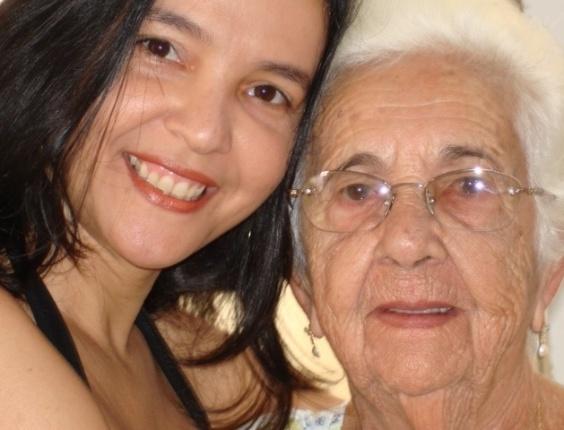 """Jacqueline Marques Melo compartilhou uma imagem da vovó Adauta Gonçalves Melo e belas palavras sobre a matriarca: """"O olhar da vovó é tão doce! é um convite á vida, a felicidade, a alegria de viver em harmonia. Como é lindo o olhar da vóvó, é cheio de amor, de carinho, compreensão, ternura. é um olhar materno, é um olhar apaixonante"""""""