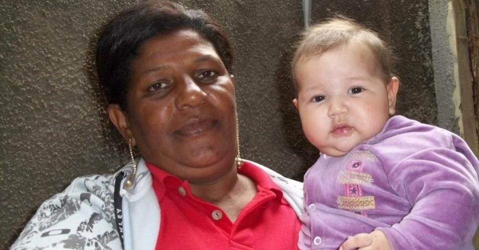 """Vera Lúcia é a vovó da pequena Victoria Leão Papa, de três meses e meio. Elas são da cidade de Campinas (SP). A mãe de Victoria faz uma homenagem à mãe: """"Queremos te parabenizar pelo dia da avó, você que tem nos dedicado preciosos minutos da sua vida"""""""