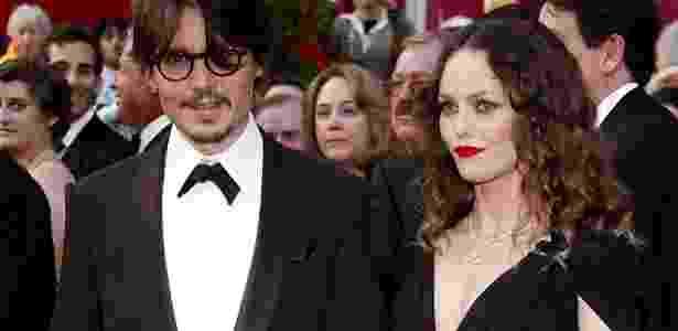 28.fev.2008 - O ator Johnny Depp e a cantora Vanessa Paradis foram casados por 14 anos - Andrew Gombert - 28.fev.08/Efe