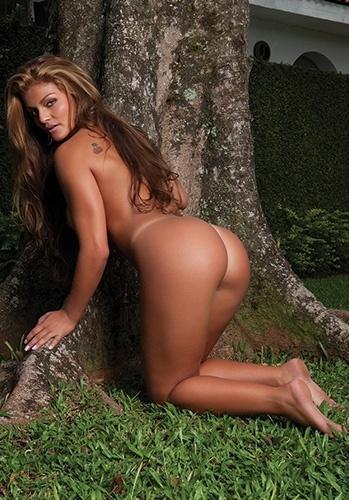 """A colega de Lorena no ensaio para a """"Sexy"""" também teve uma nova foto divulgada nesta sexta-feira (7/6/12)."""