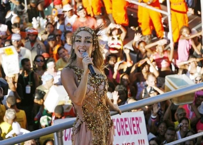 A despedida de Claudinha do Babado Novo, no bloco Papa Léguas, no carnaval baiano (5/2/08)