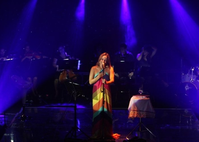 Claudia Leitte canta no cruzeiro 'Claudia Leitte a Bordo 2011', em São Paulo (14/2/11)