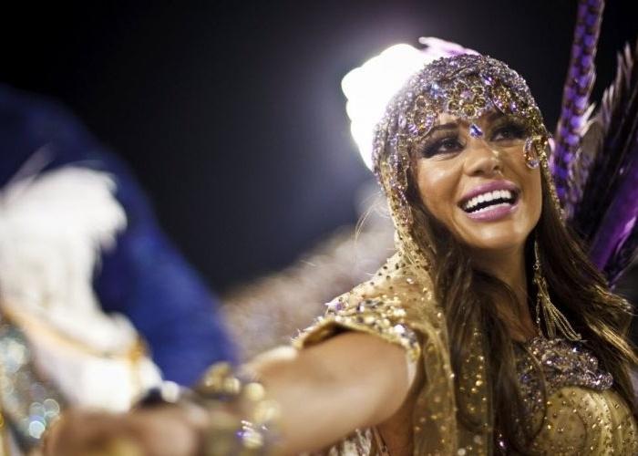 A ex-BBB, Maria, na Escola de Samba Grande Rio, nos desfiles na noite das campeas do Carnaval Carioca, na Avenida Sapucaí, no Rio de Janeiro (25/2/12)