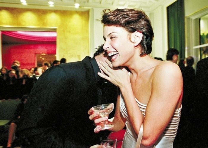 14.jun.2000 - A atriz Carolina Ferraz e o então namorado Murilo Benício durante festa da Vogue no Jockey Club, em São Paulo