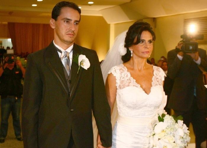 Em 15 de dezembro de 2010, Maria Odete (Gretchen) oficializou união civil com Sílvio Alves em Goiânia (GO). Em 2011, o casamento já havia virado história do passado