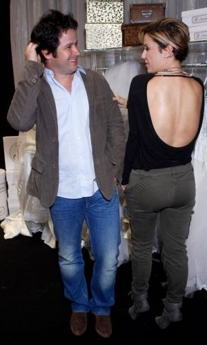 "5.jul.2010 - Murilo Benício e a atriz Guilhermina Guinle, durante a coletiva de imprensa de ""Ti Ti Ti"" no Projac, zona oeste carioca"