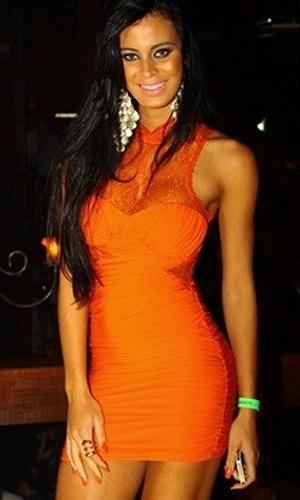 Lorena Bueri, a Gata do Paulistão, foi um pouco descuidada ao participar de evento de lançamento da revista 'Sexy' em Vitória. Ao que parece, a capa de julho da publicação estava sem calcinha