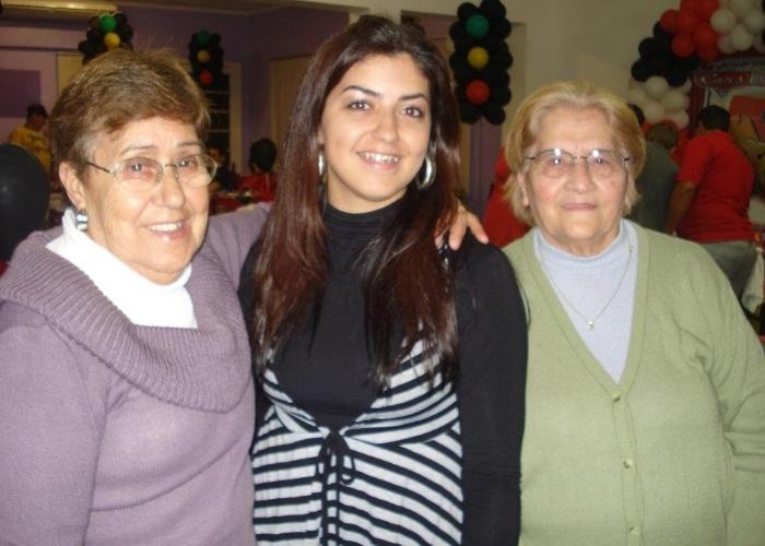 """""""As minhas amadas e especiais avós Brandina e Marina"""", apresenta a neta Elisângela Silveira"""