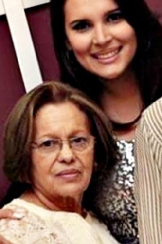 """""""Vó, eu jamais conseguirei expressar o meu amor, orgulho e gratidão por tudo o que a senhora é e sempre foi na minha vida. Eu não existo sem você!"""", homenageia a neta de dona Gecy Ribeiro, Janaína Ribas."""