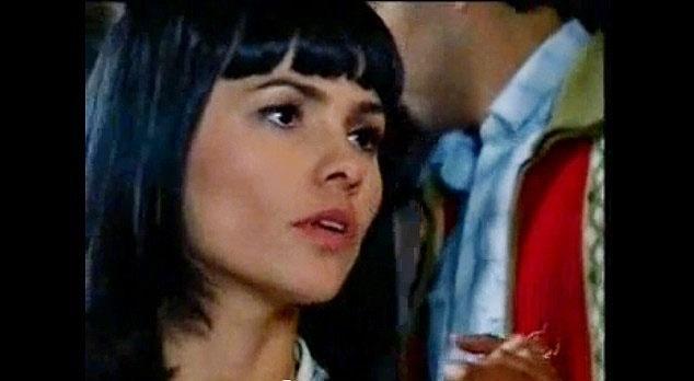 """A atriz estreou nas novelas em 2006, na TV Record, em """"Cidadão Brasileiro"""" (foto), e em 2007 atuou em """"Amigas e Rivais"""", do SBT. A atriz também participou da série """"Mandrake"""" (HBO) e do especial """"Chico e Amigos"""", da TV Globo, em 2009."""