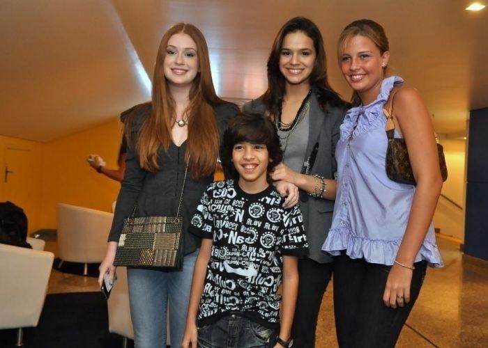 2.ago.2010 - Marina Ruy Barbosa, Bruna Marquezine e Debby vão ao show da turnê 2010 de Luan Santana, no Citibank Hall, no Rio