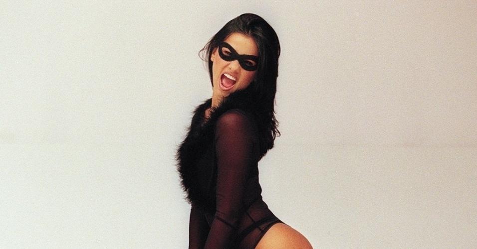 """Suzana Alves ganhou fama com a personagem Tiazinha, do Programa """"H"""", apresentado na TV Bandeirantes por Luciano Huck, ainda em 1998. Nesta sexta-feira (3/8/12), Suzana completa 34 anos."""