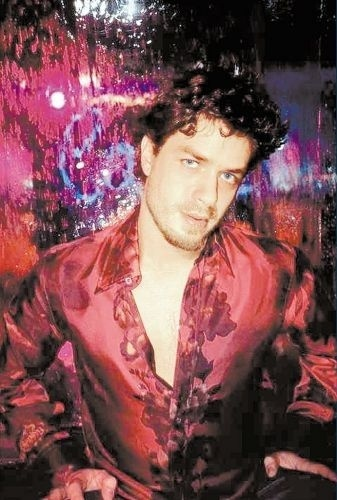 """Em 2001, o ator Fábio Assunção posa para um ensaio da revista """"TPM"""" (Trip Para Mulheres)"""