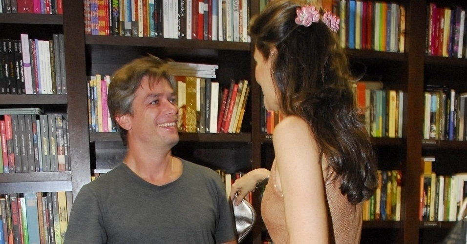 Fábio Assunção e Maria Fernanda Cândido se encontram no lançamento do livro 'Herivelto Como Conheci - A Verdadeira História de Amor', em São Paulo (SP) (10/3/10).