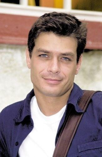 """O ator Fábio Assunção foi o protagonista da novela """"Coração de Estudante"""", da Globo (2002)."""