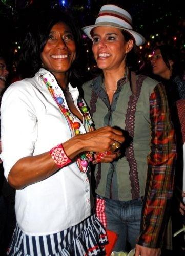 Glória Maria e Narciza Tamborindeguy na festa junina promovida por Gilberto Gil e Flora Gil, no Rio de Janeiro (6/6/07)