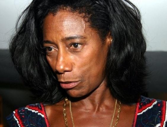 Glória Maria comandou a apresentação do 'RJTV', do 'Jornal Hoje', do 'Jornal Nacional' até chegar a apresentação do 'Fantástico', onde esteve à frente do programa de 1998 a 2007, quando pediu licença de dois anos (foto de 2006).