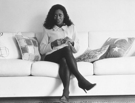 Glória Maria foi a primeira jornalista negra a ingressar na televisão brasileira. Ela estreou na Rede Globo em 1971 durante a cobertura do desabamento do elevado Paulo de Frontin, no Rio de Janeiro (1995)