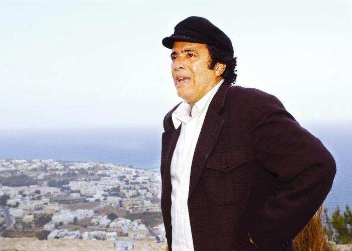 """O ator na pele do grego Nikos Petrákis, de """"Belíssima"""" (2005). Nikos era apaixonado por Julia (Glória Pires)"""