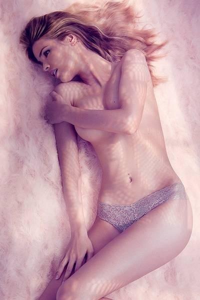 """Na edição de setembro da revista """"GQ"""", Yasmin Brunet, revelou que não se considera sensual. """"Não me considero sexy. Não penso nisso."""" A filha de Luiza Brunet também contou sobre sua relação com a mãe e o mundo da moda. """"Acho que todos os trabalhos que fiz têm um lado divertido e uma parte para se orgulhar."""" (31/8/12)"""