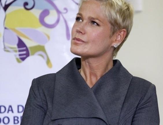 Xuxa promove projeto para enfrentamento da violência sexual, na sede da Firjan, no Rio de Janeiro (22/3/11)