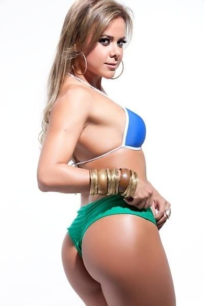 Cibele Ribeiro representa a sensualidade da mulher do Estado do Ceará