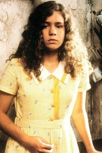 """1997 - A atriz Leandra Leal em cena do filme """"A Ostra e o Vento"""", do diretor Walter Lima Jr."""