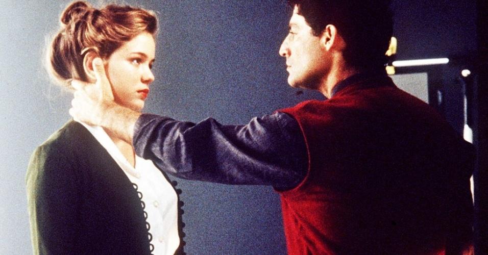 """1998 - Cena do filme """"Lara"""" com Leandra Leal, que interpreta a atriz Odete Lara adolescente, e Giuseppe Oristânio"""