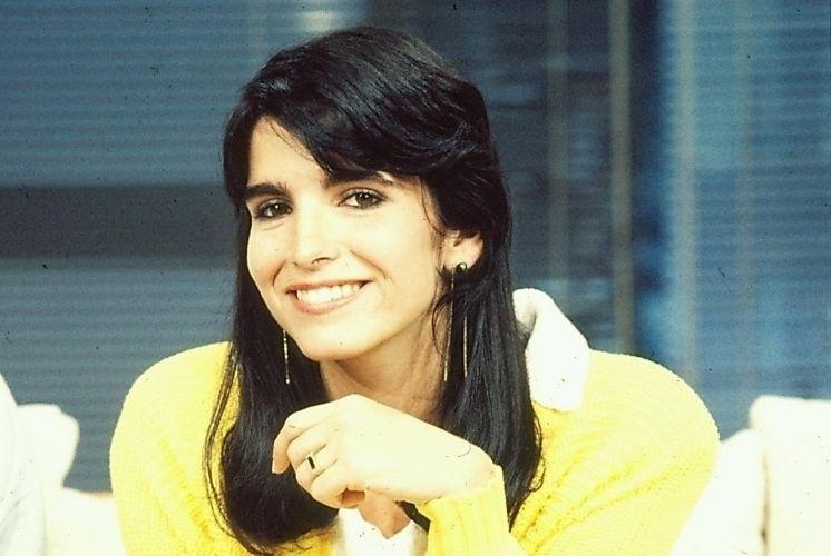 """Malu Mader como Val, filha do costureiro Jacques Léclair, vivido por Reginaldo Faria, em """"Ti Ti Ti"""" (1985)"""