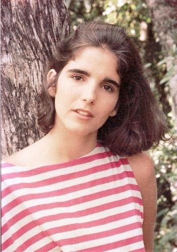 """Malu Mader durante gravação de """"Corpo a Corpo"""", novela na qual fez par romântico com o ator Lauro Corona (1984)"""