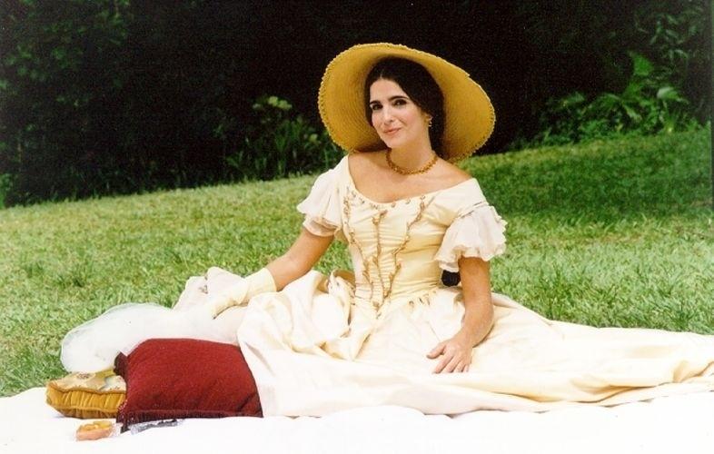 """Malu Mader interpretou Ester na novela """"Força de um Desejo"""" (1999)"""