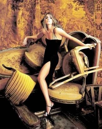 Malu Mader posa para ensaio de moda da revista 'Vogue' (junho/2001)
