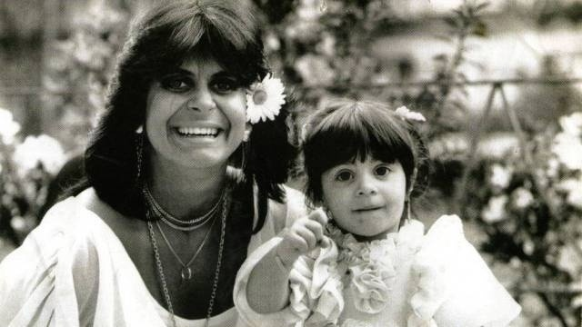"""Thammy Gretchen, nome artístico de Thammy Miranda, nasceu no dia 4 de setembro de 1982 na cidade de São Paulo. Produtora, modelo, cantora e atriz brasileira, ela é uma das seis filhas de Gretchen. Assumiu sua homossexualidade em 2006 e já estampou ensaios sensuais ao longo de sua carreira artística. Thammy vai integrar a próxima novela das nove da Globo, """"Salve Jorge"""" (foto de 1985)"""