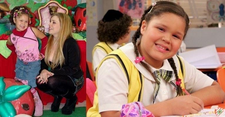 Aysha Benelli, filha da cantora Simony, que interpreta Laura em ?Carrossel? já fazia poses desde pequena
