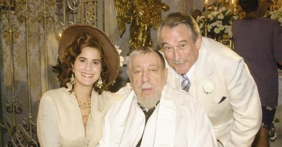 """O ator José Lewgoy (ao centro), com Lúcia Veríssimo e Paulo Goulart na novela """"Esperança"""", da TV Globo (11/2/03)"""