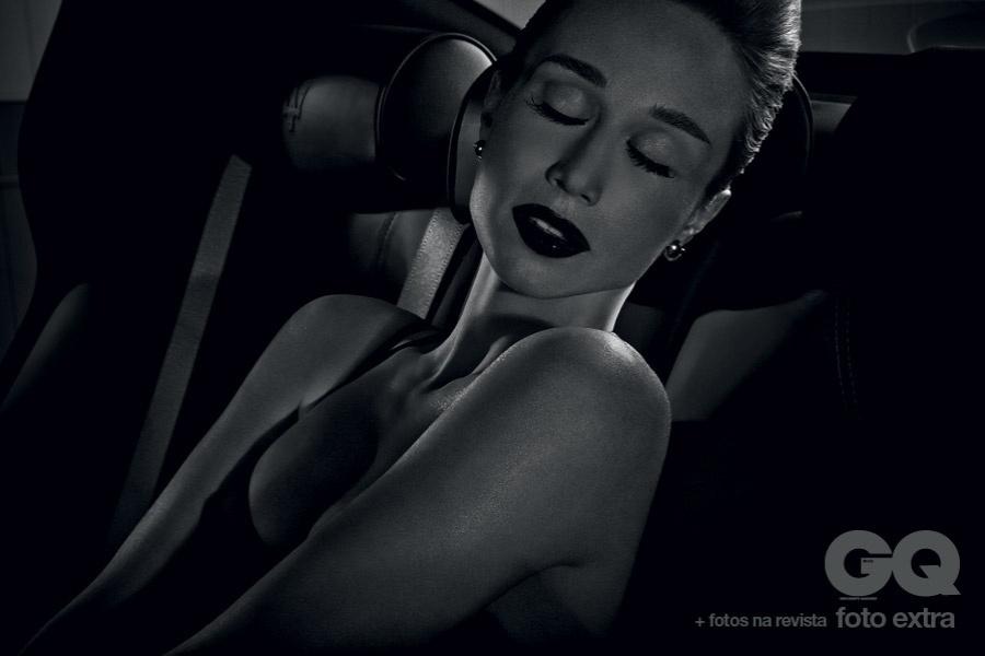 Mariana Ximenes posa para ensaio da revista ?GQ? (outubro/2012) inspirado em ?Lolita?, filme clássico que conta a história de uma ninfeta