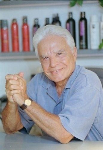 """Dias antes de deixar de apresentar o """"Jornal Nacional"""", Cid Moreira foi destaque em diversos veículos de imprensa (março/96)"""