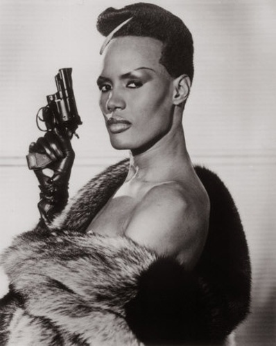 "Grace Jones fez a inimiga May Day em ""A View to a Kill"", de 1985"