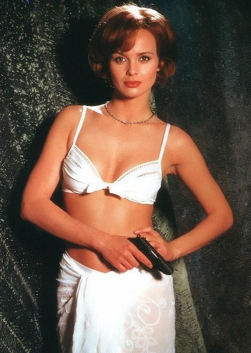 """Izabella Scorupco interpretou Natalia Somonova, em """"GlodenEye"""", de 1995"""
