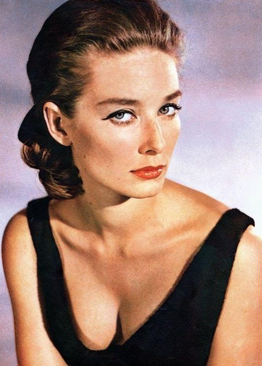 "Tania Mallet fez o papel de Tilly Masterson, em ""Goldfinger"", de 1964"
