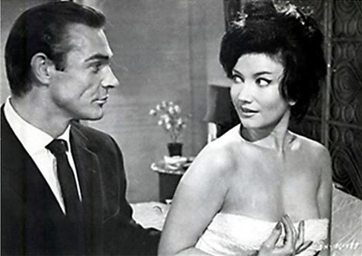 """Zena Marshall viveu Miss Taro, em """"Dr. No"""", de 1962"""