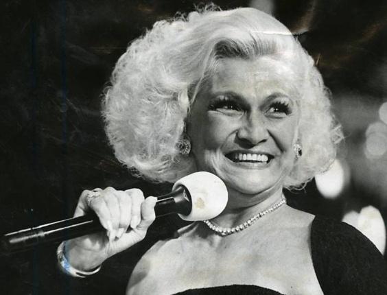 A apresentadora Hebe em foto dos anos 1980